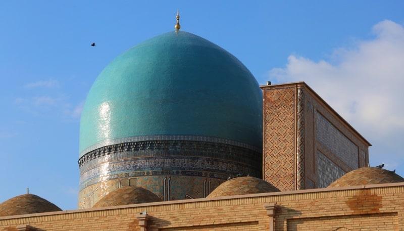 В Намангане мужчина украл зимнюю обувь из мечети на 600 тысяч сумов