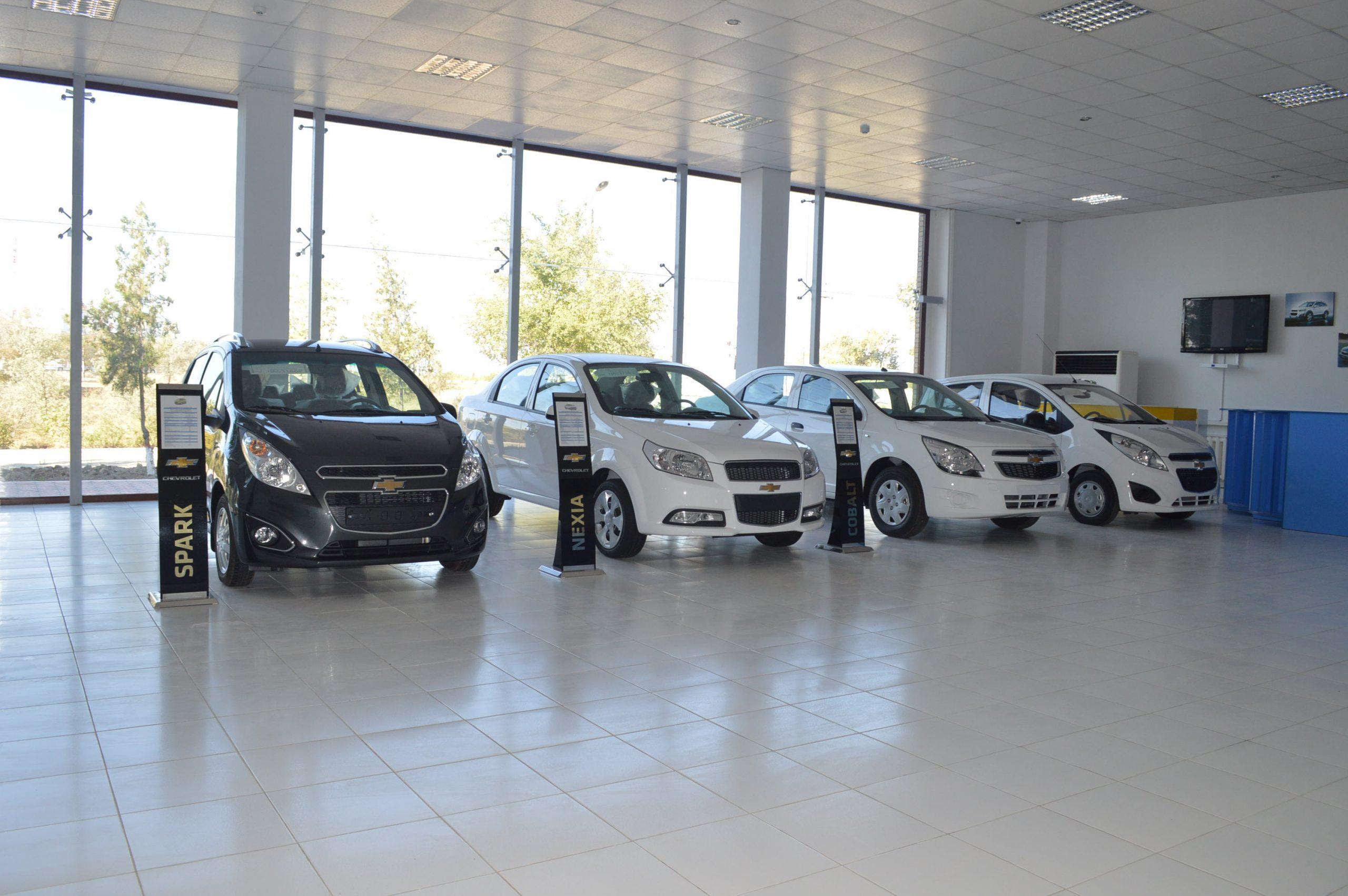 UzAuto Motors временно приостановили продажу автомобилей