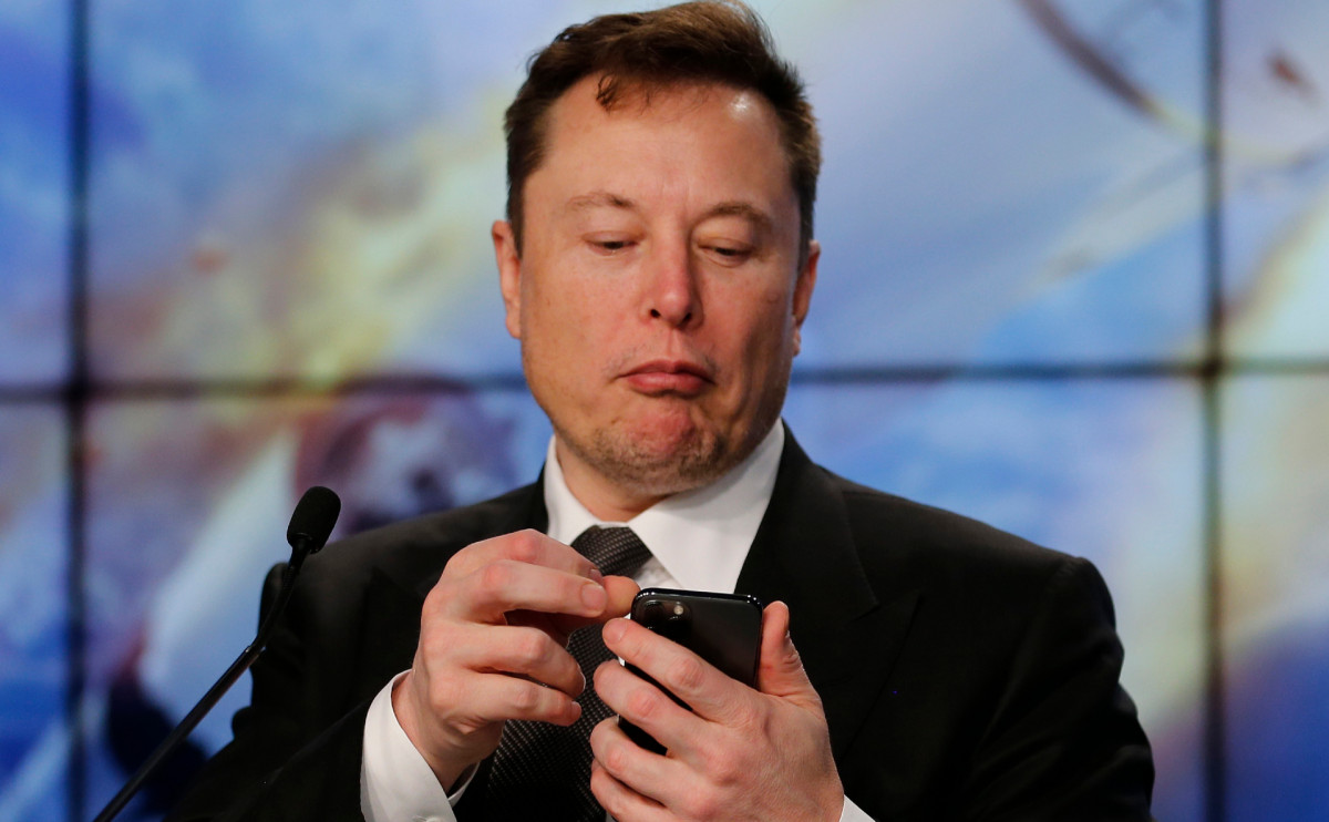 Илон Маск потерял 15 миллиардов долларов за один день
