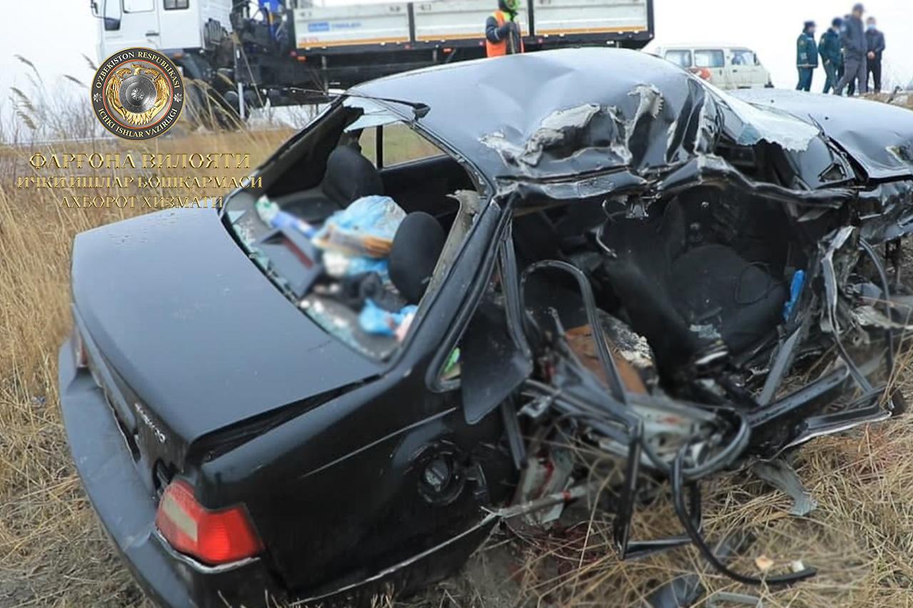 В Ферганской области столкнулись Nexia и грузовик MAN