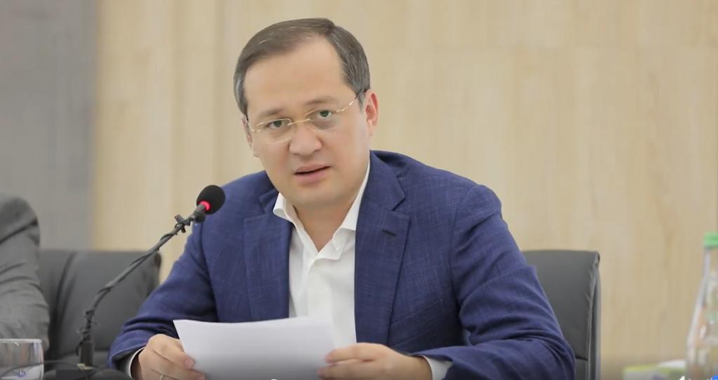 Комил Алламжонов прокомментировал задержание блогера Отабека Саттори