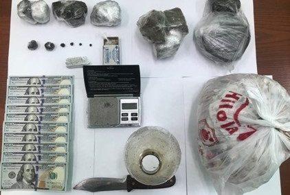 В Ташобласти поймали троих мужчин, торговавших наркотиками