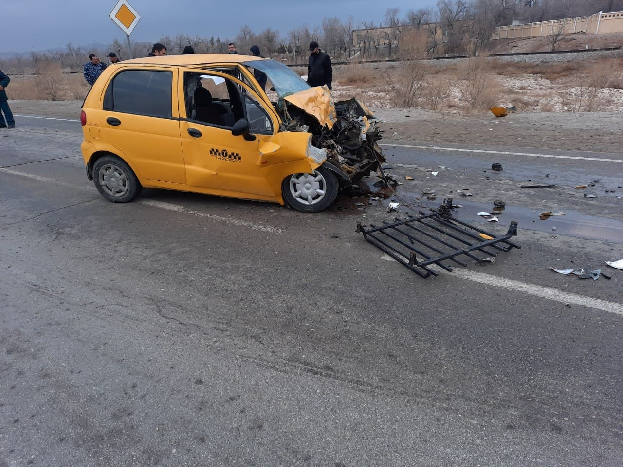 В Навои погиб человек в результате столкновения автомобиля Matiz с грузовиком