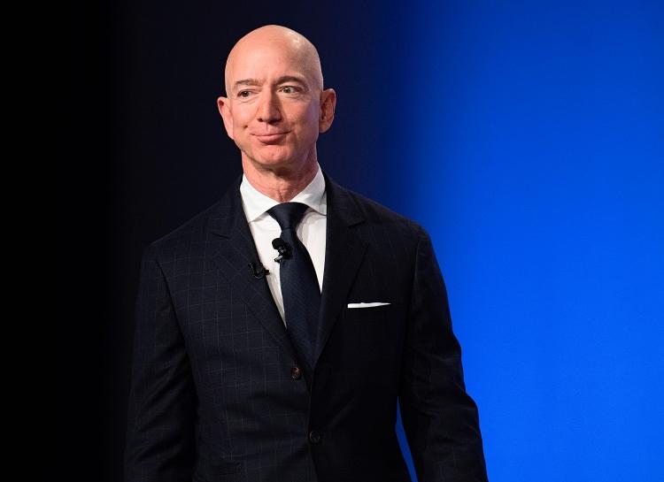 Основатель Amazon Джефф Безос вновь возглавил список самых богатых бизнесменов в мире