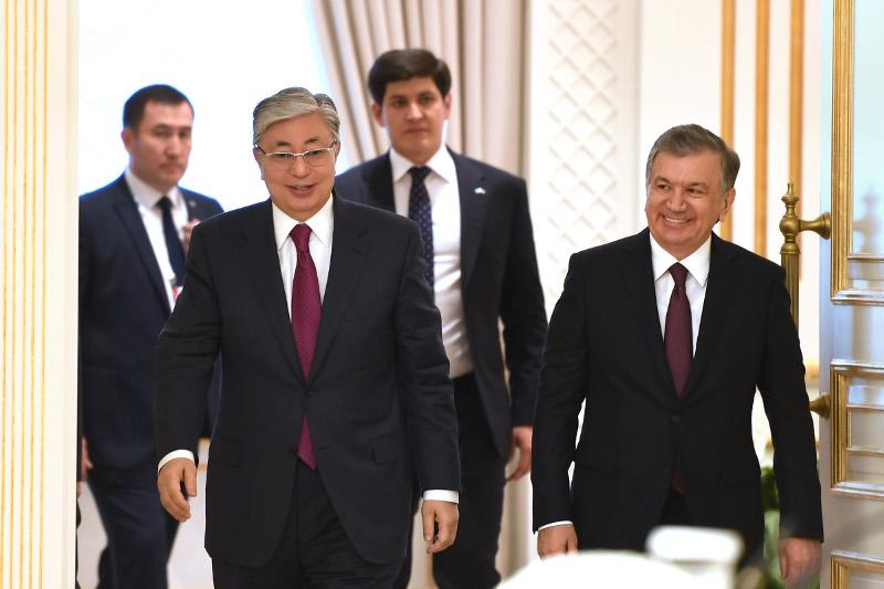 Касым-Жомарт Токаев пригласил Шавката Мирзиёева в Казахстан