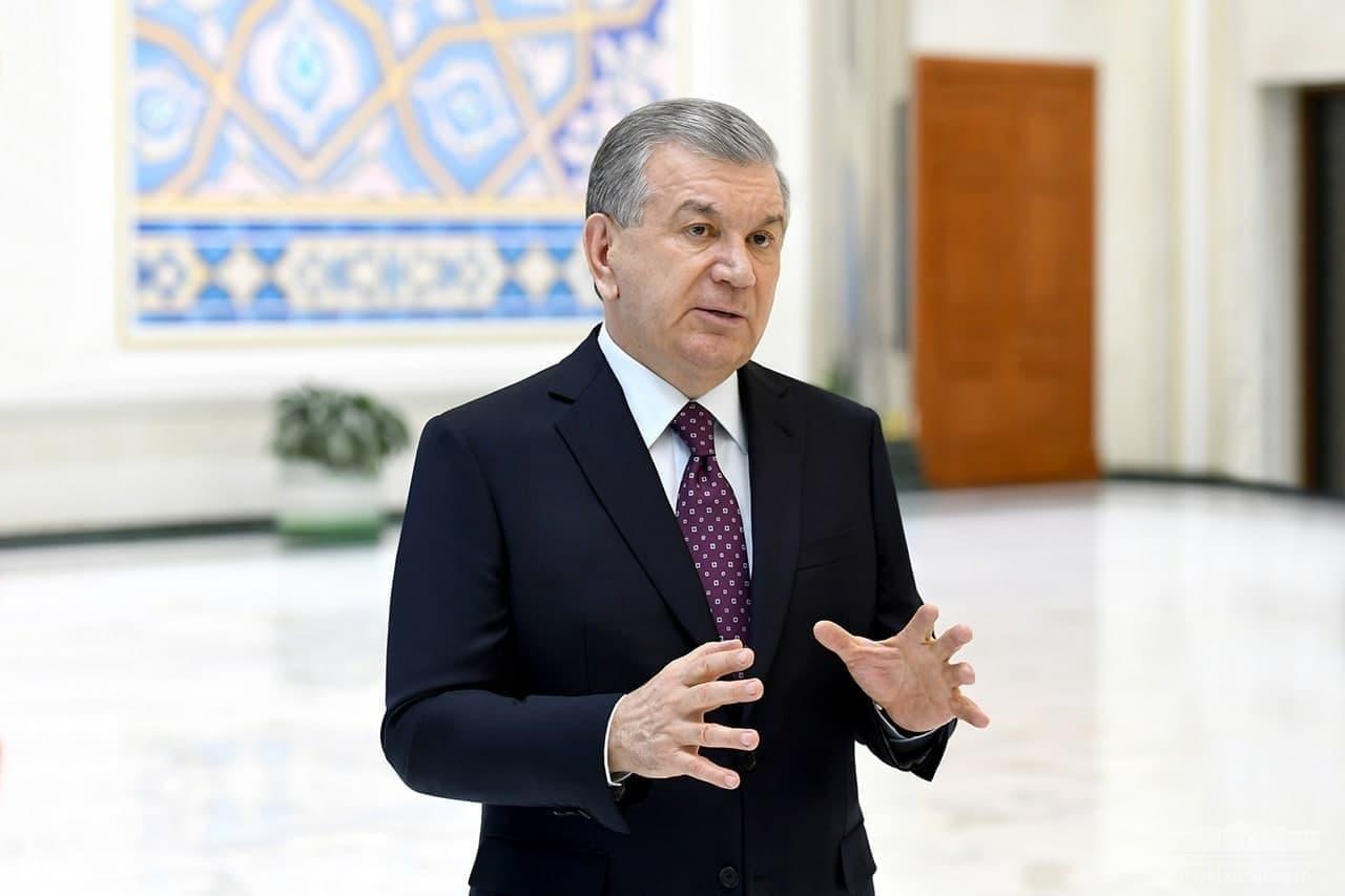 Президент ознакомился с презентацией инвестиционных проектов для Джизакской области