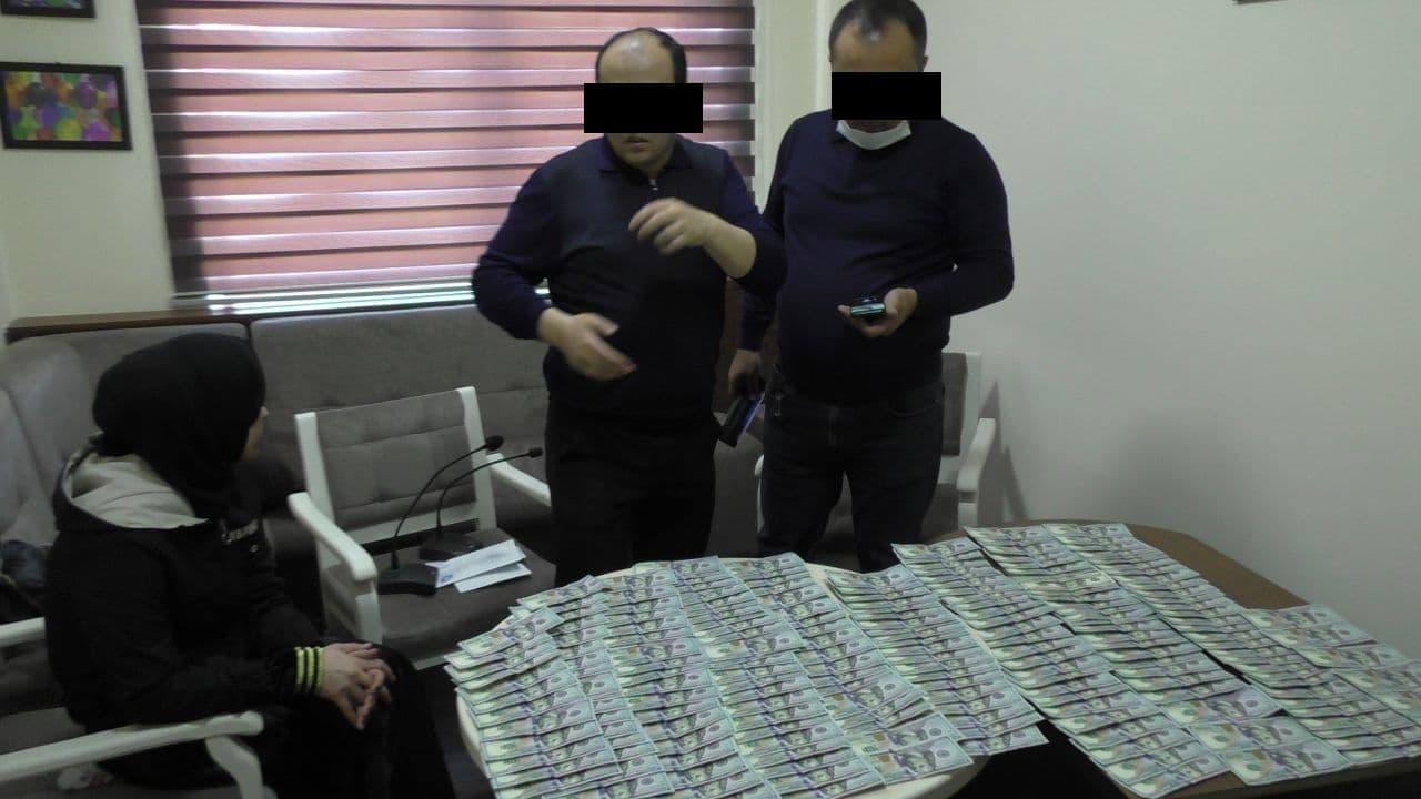 Узбекистанка вымогала у иностранца 20 тысяч долларов путем шантажа