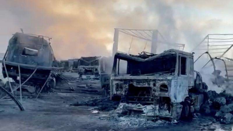 Из-за взрыва у афгано-иранской границы сгорело не менее 500 грузовиков