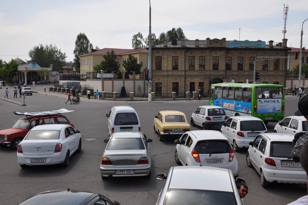 Выяснилось, сколько авто в среднем приходится на семью в Узбекистане