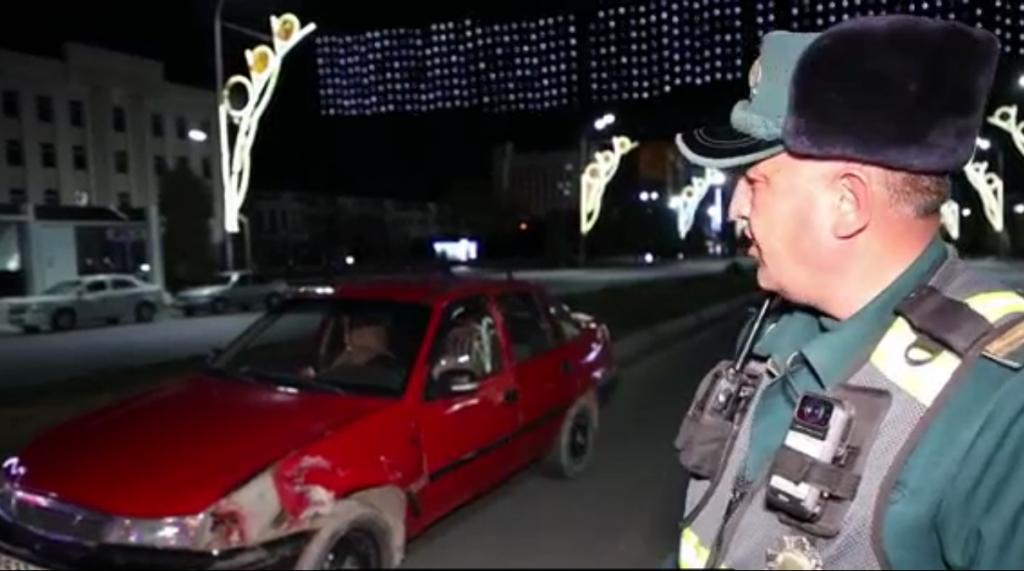 Nexia столкнулась с эвакуатором в Джизаке — видео