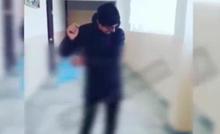 В Самаркандской области школьников поставили на учет за раскидывание книг