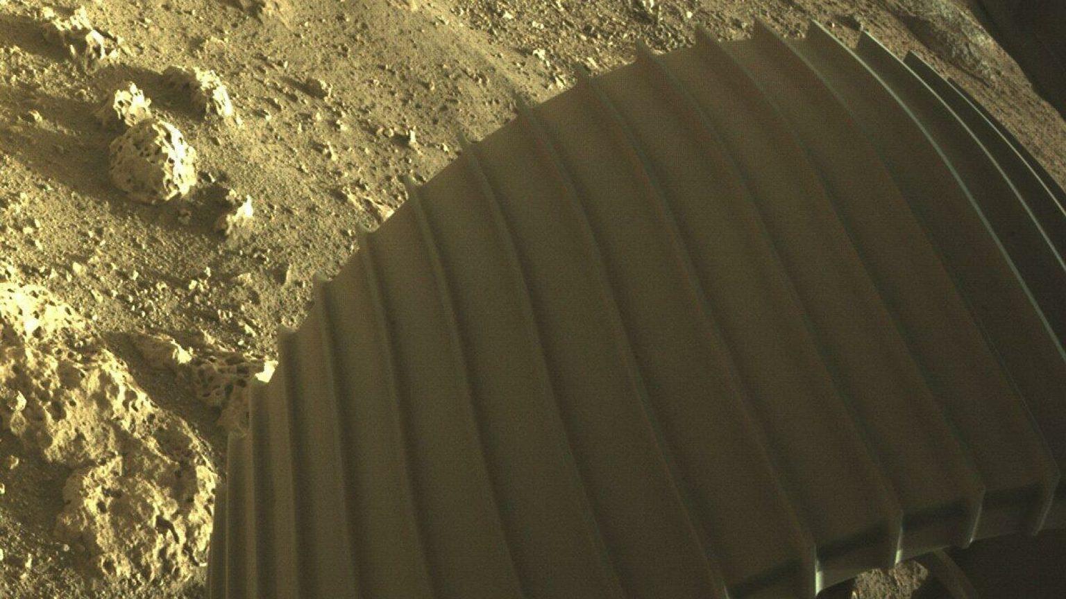 Вышла первая запись звука с Марса — аудио