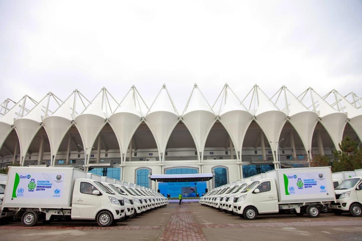 Спецавтомобили для перевозки вакцин доставлены в Андижан