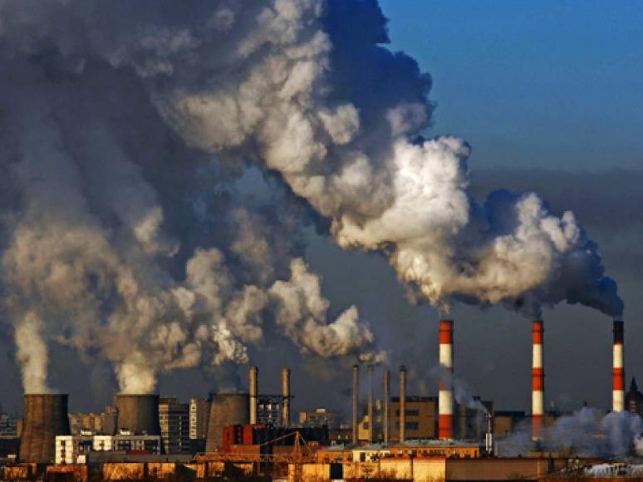 Названо количество выброшенных выхлопных газов в атмосферу от предприятий и авто в Узбекистане