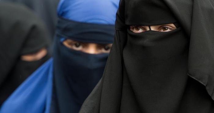 В Швейцарии планируют запретить ношение полностью скрывающих лицо элементов одежды