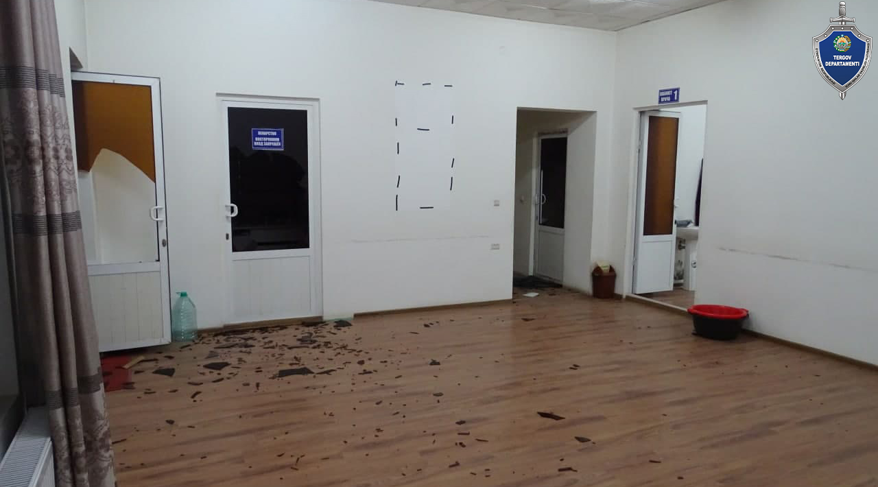 В Наманганской области группа мужчин ограбила работников медицинского центра