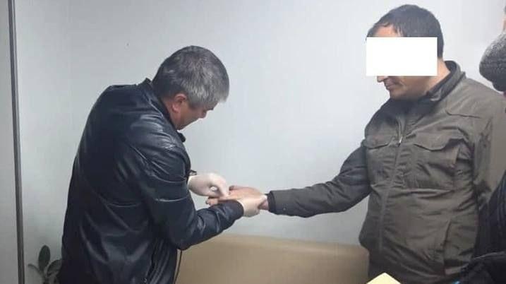 В Ташобласти глава районного отдела Кадастрового агентства вымогал взятку у предпринимателя
