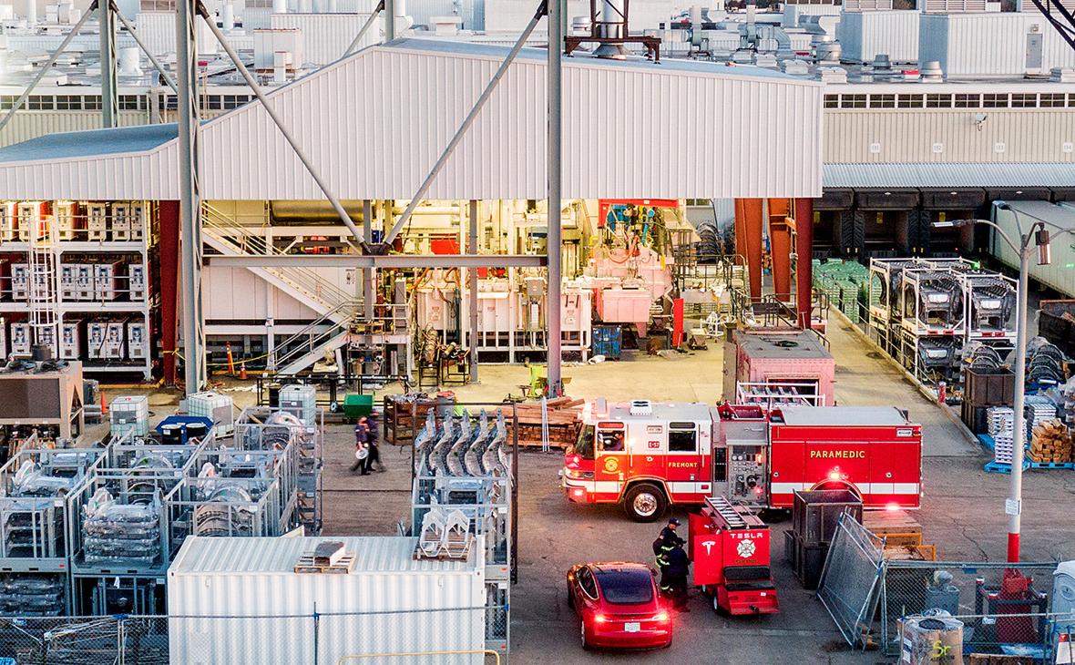 На заводе Tesla во Фримонте произошел пожар — видео