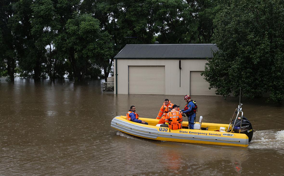 Количество эвакуированных людей из-за наводнения в Австралии увеличилось до 20 тысяч
