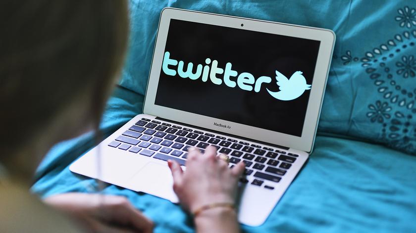 Глава Twitter выставил на торги свой первый твит