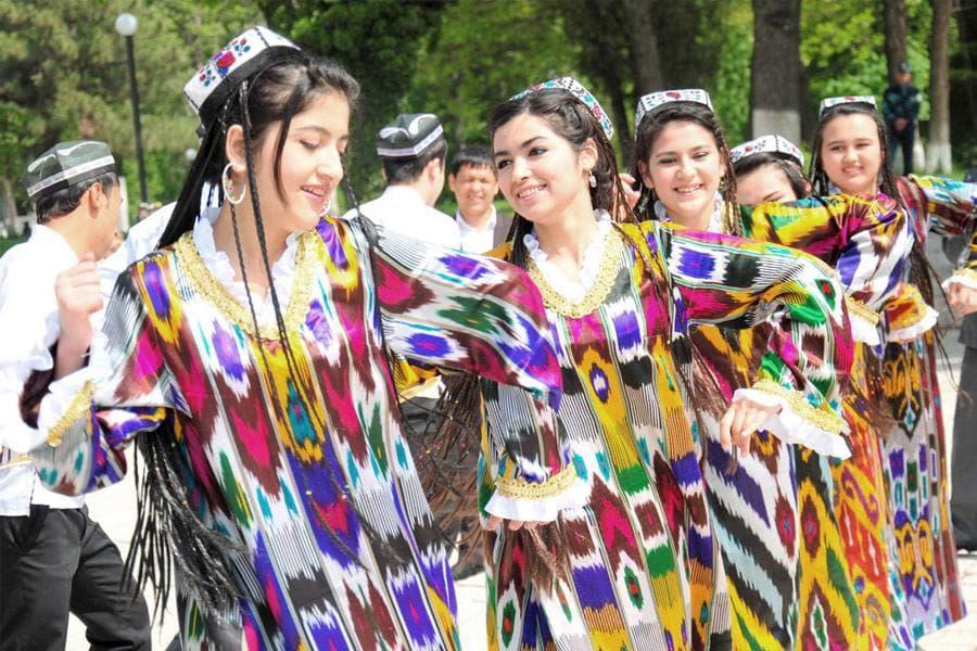 В Узбекистане установят контроль за соблюдением социальной дистанции во время праздника Навруз