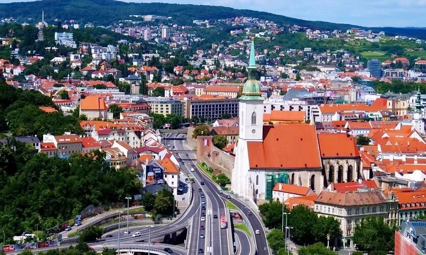 Власти Словакии разругались из-за вакцины Sputnik V