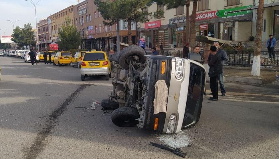 В Андижанской области столкнулись автомобили Damas и Matiz — видео