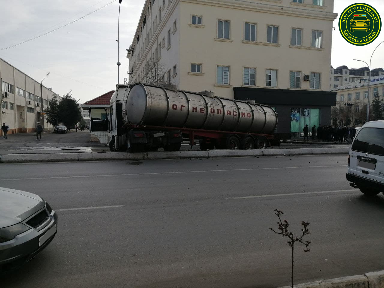 В Ферганской области столкнулись Cobalt и «огнеопасный» грузовик
