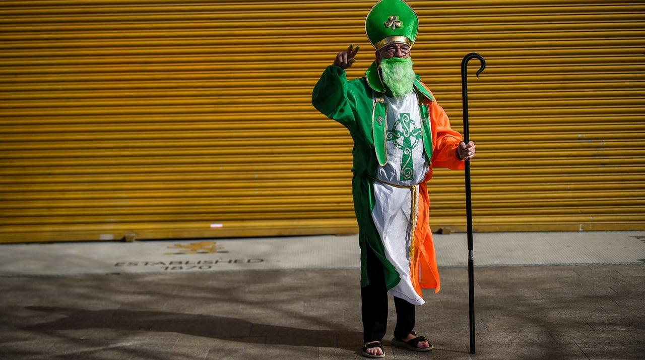 Протесты, задержания и костюмы: как в Дублине прошел День святого Патрика