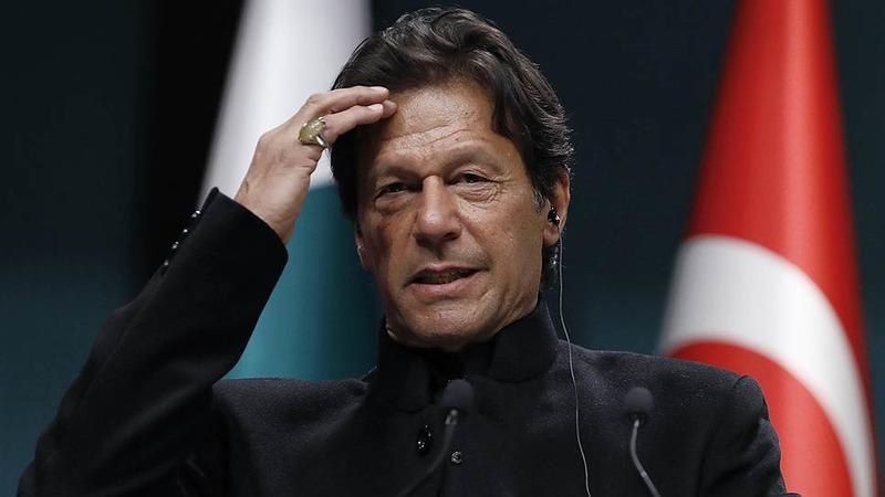 Премьер-министр Пакистана заболел коронавирусом после вакцинации