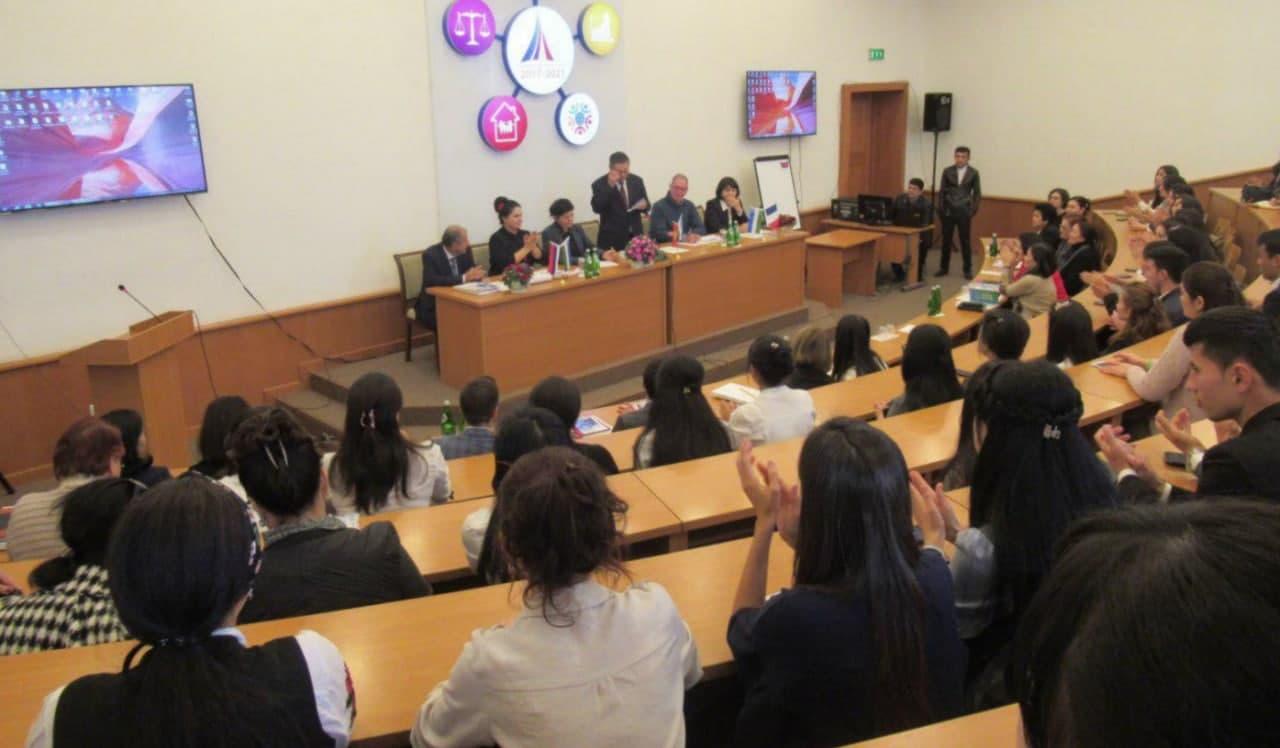 В 2021-2022 учебном году в Узбекистане госгранты на обучение в вузах увеличатся на 25 процентов