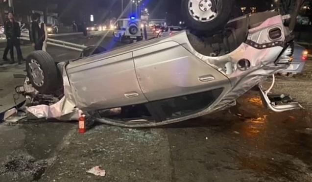 В Ташкенте столкнулись два автомобиля Cobalt — видео