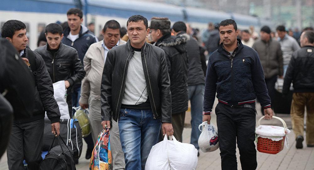 490 узбекистанцев уехали на заработки в Казахстан