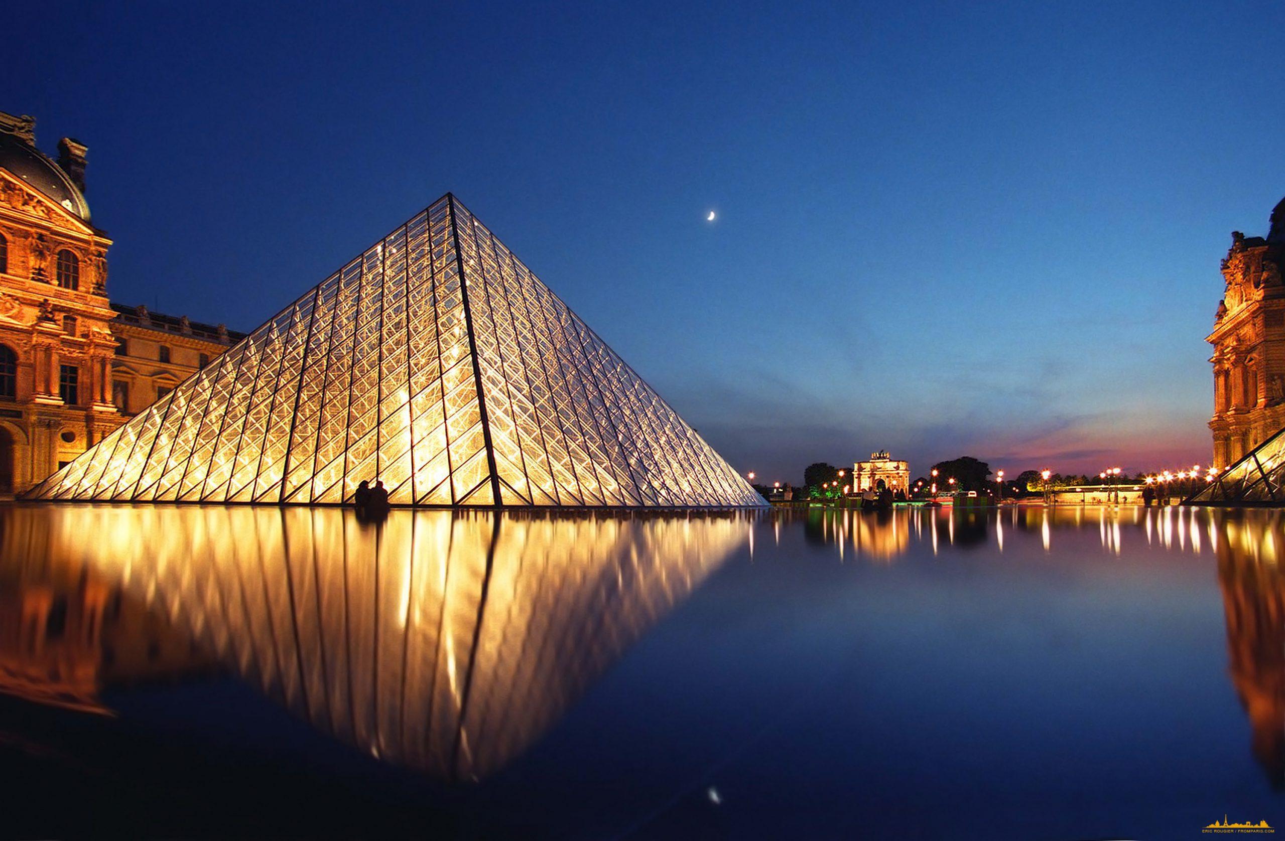 Музей Лувр открыл доступ к онлайн-экскурсии