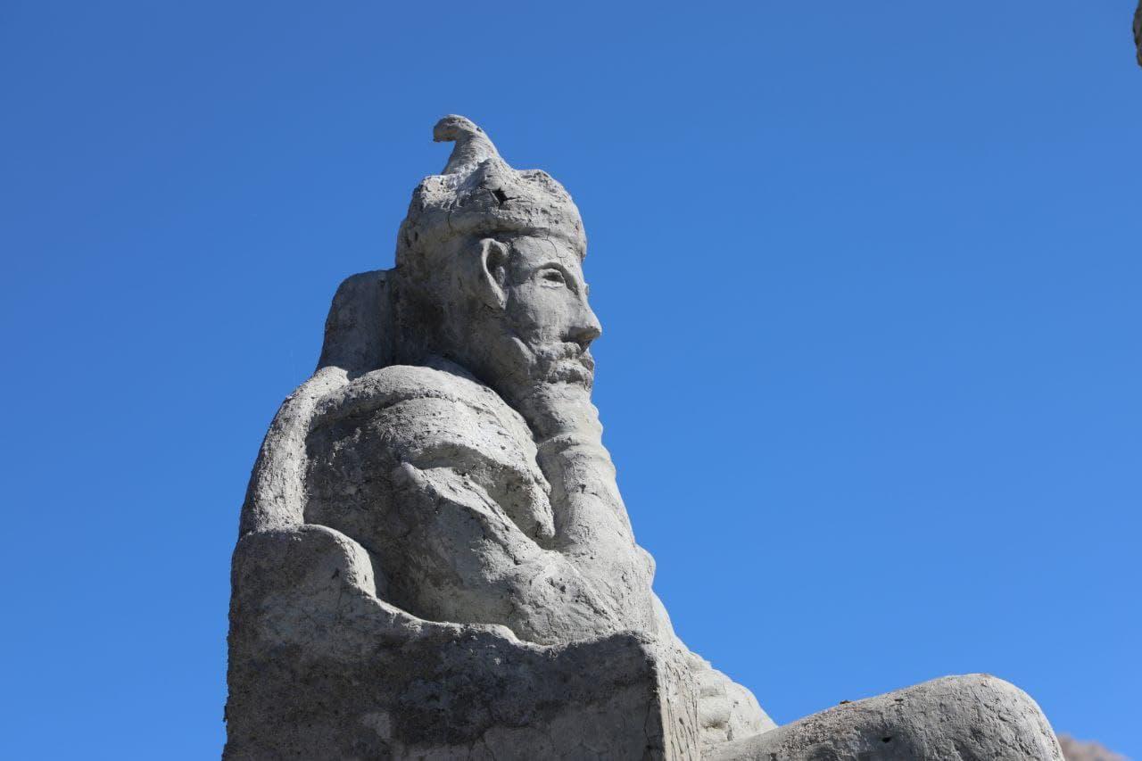 Заброшенную скульптуру Амира Темура нашли в Кашкадарьинской области