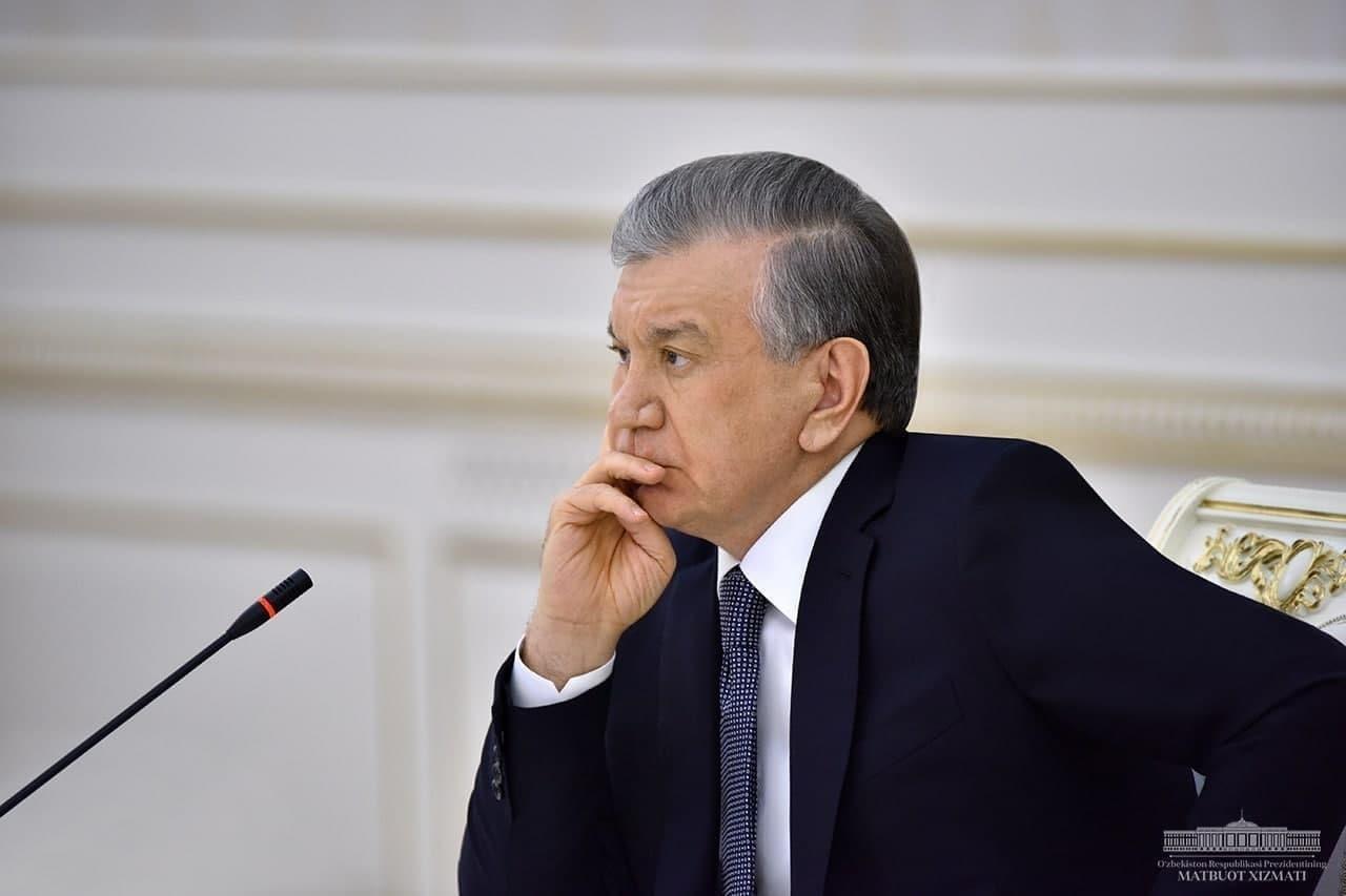 Президент поручил уволить четырех руководителей Бухарской области