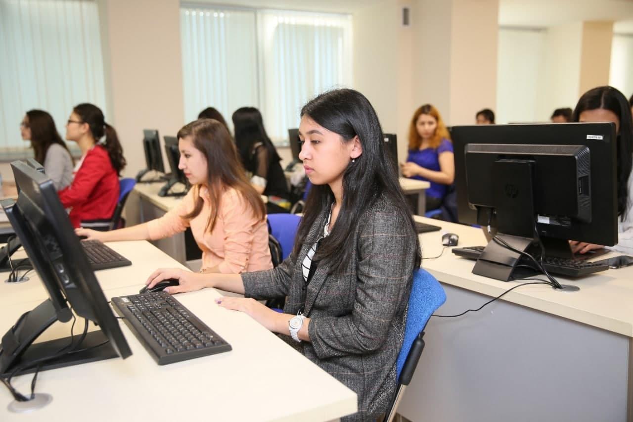 Нуждающимся девушкам будут оплачивать обучение в вузах