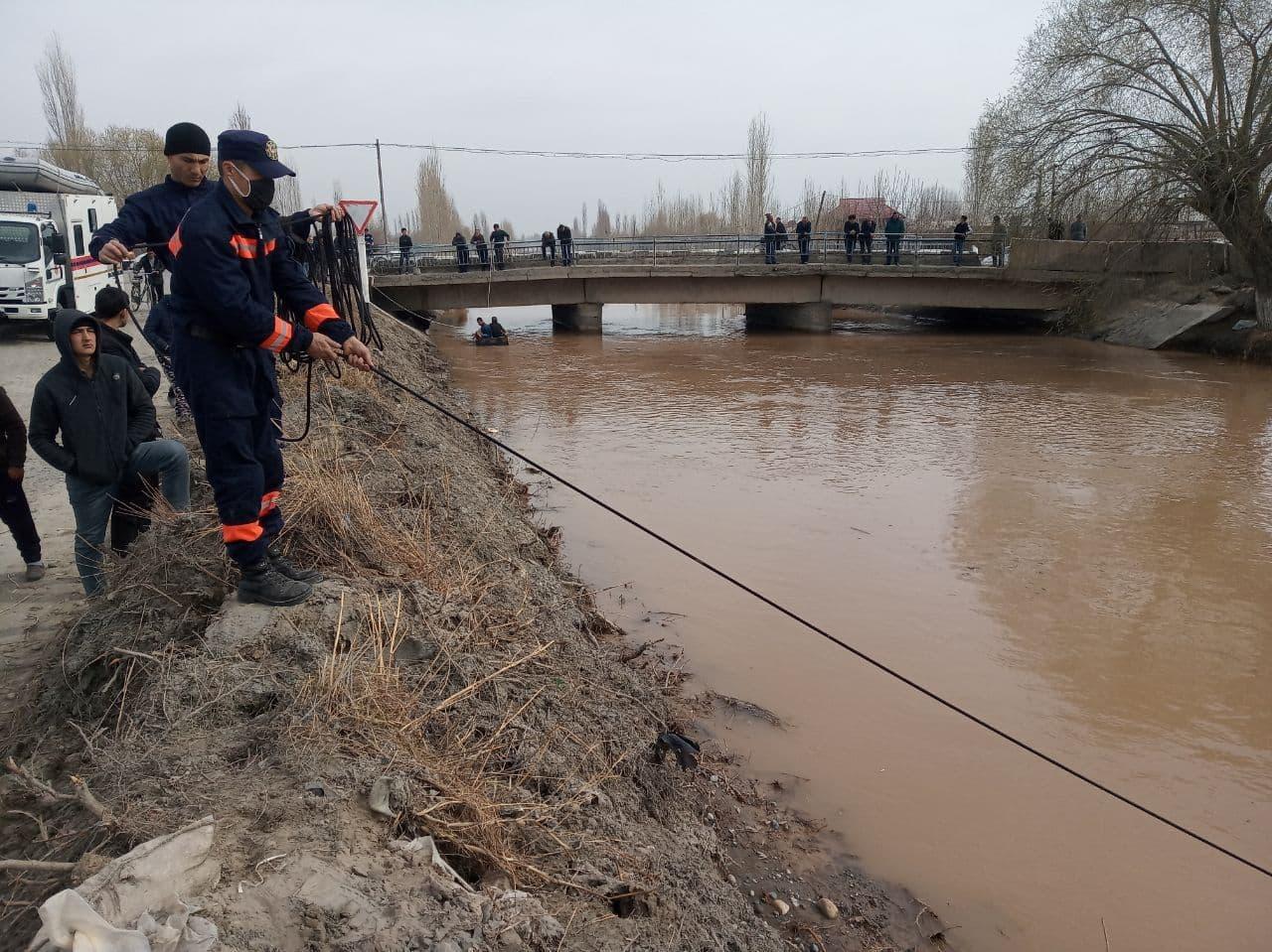 В МЧС раскрыли новые подробности об утонувшем шестикласснике в Большом Ферганском канале