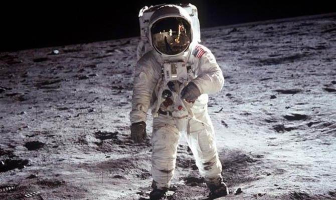 NASA отправит на Луну первую женщину в ближайшие 10 лет