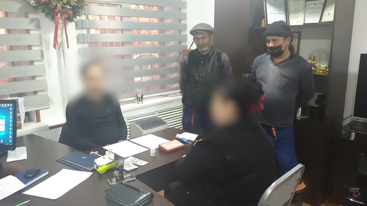 В Ташкенте два директора автошкол требовали деньги от учеников за непосещение занятий