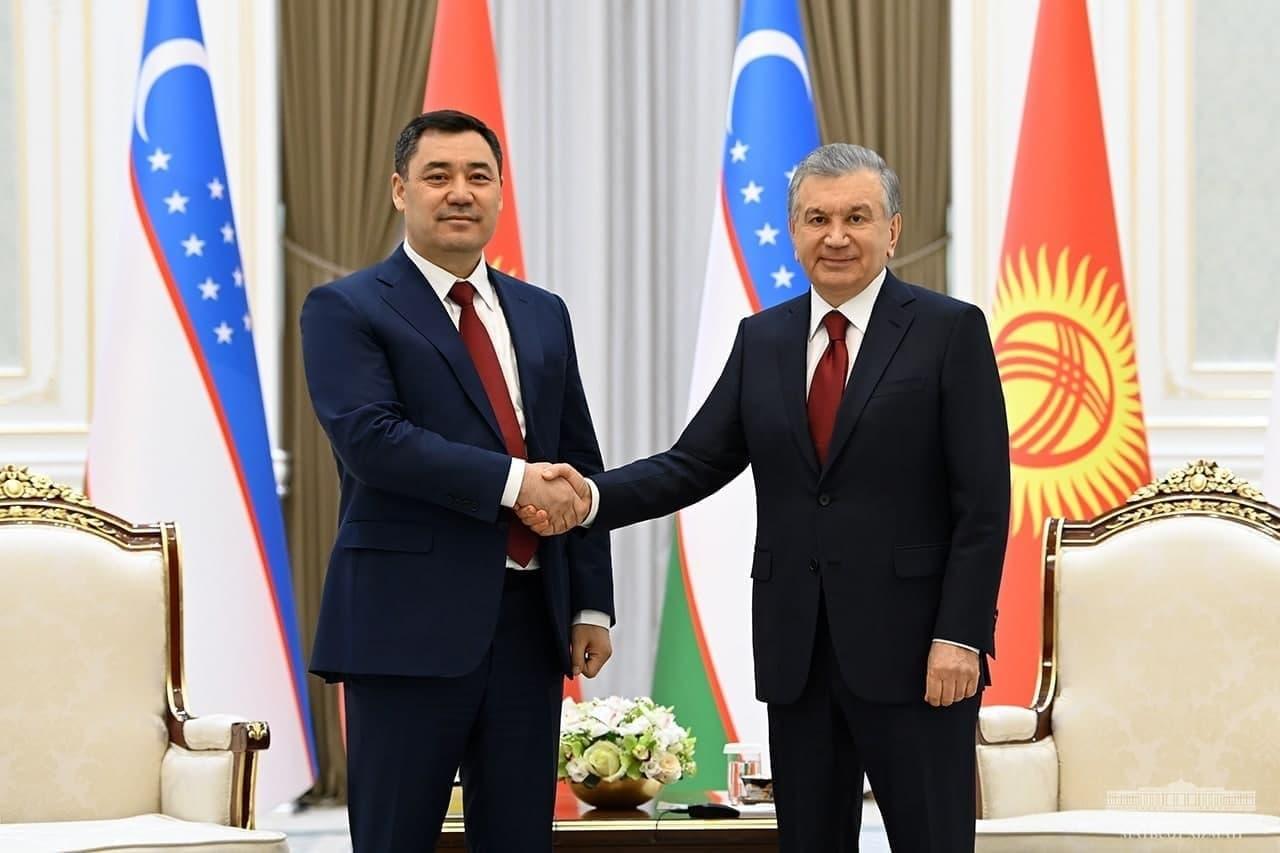 Как в резиденции Куксарой состоялась церемония официальной встречи между президентом Узбекистана и Кыргызстана – фото
