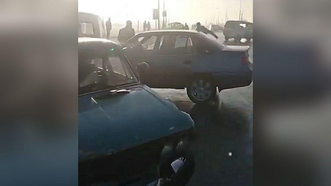 В Кибрайском районе произошло ДТП с участием пяти автомобилей — видео