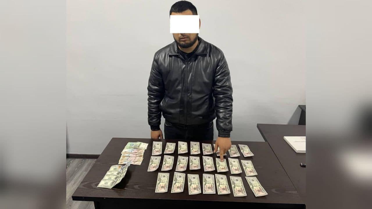 В Ташкенте фальшивомонетчики хотели продать поддельные купюры на сумму более тысячи долларов