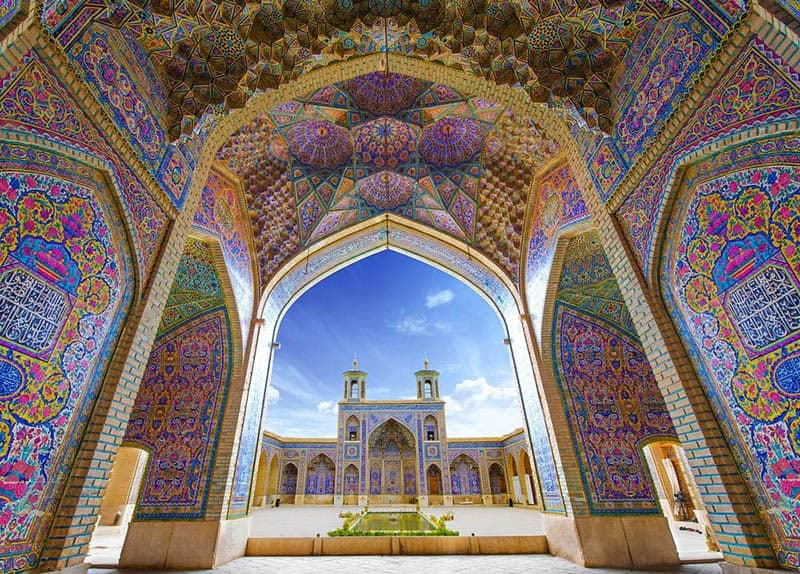 Мрамор, гранит и глазурованные плитки: как выглядят мечети в разных уголках земли – фото