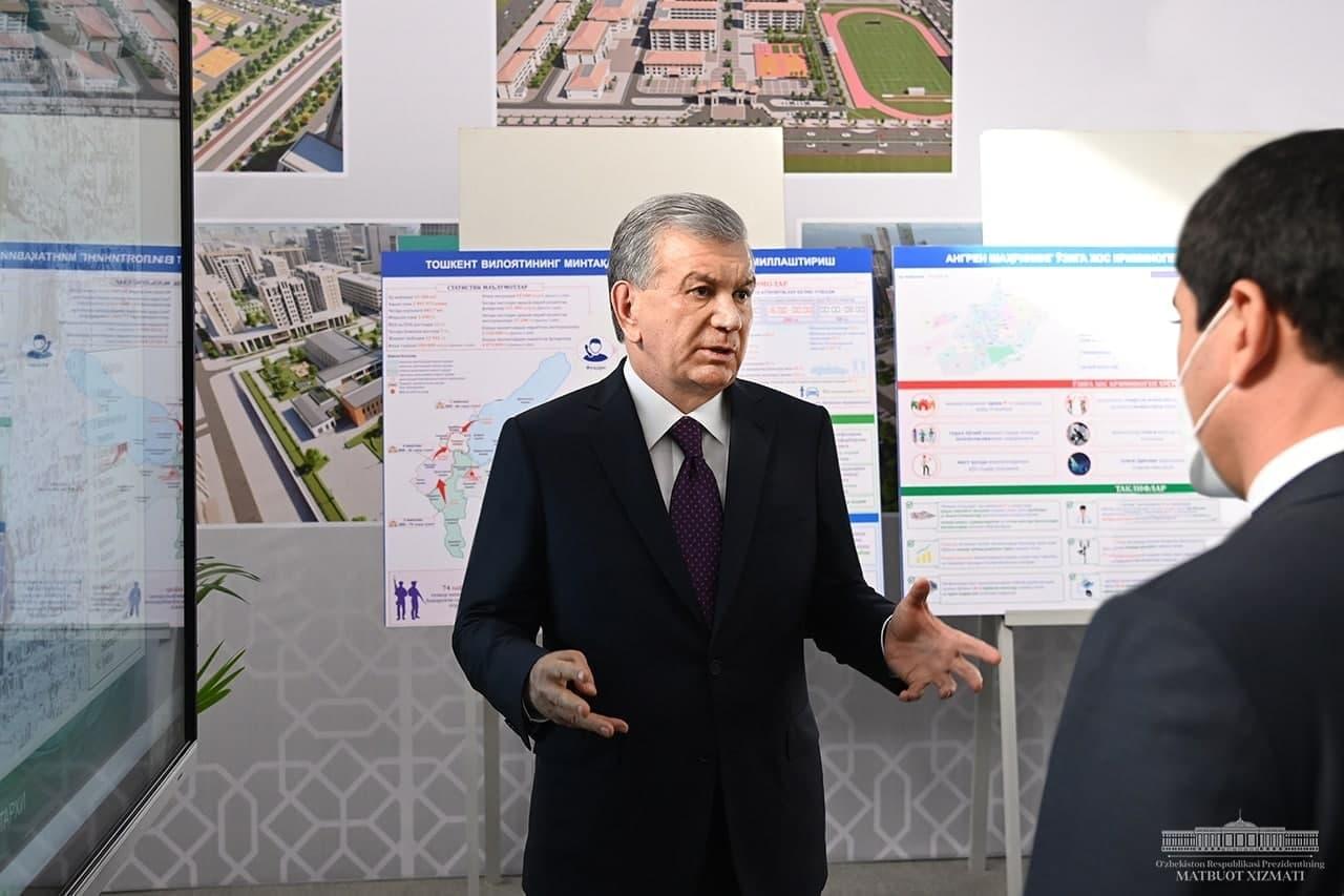 Шавкат Мирзиёев ознакомился со строительными работами в Нурафшане