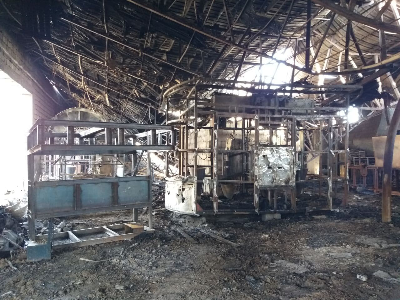 В Кибрае рабочий погиб из-за пожара в цехе – фото