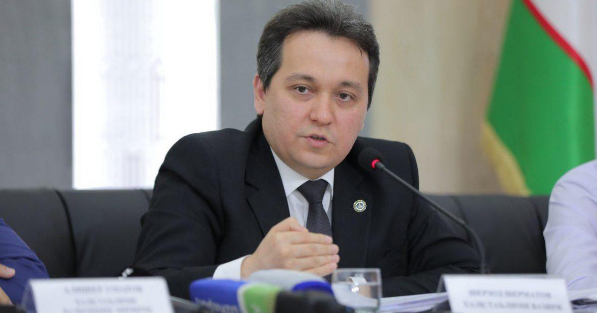 В школах Узбекистана внедрили гибридную систему образования