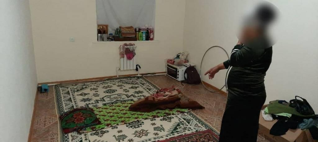 Женщина устроила притон в детской комнате общежития в Бухарской области