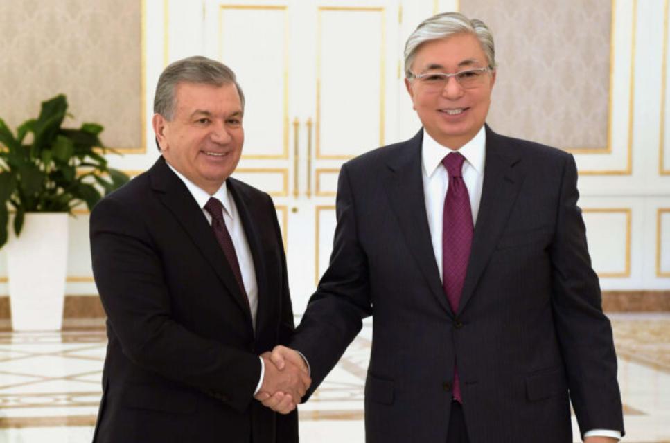 Состоялся телефонный разговор между президентами Узбекистана и Казахстана