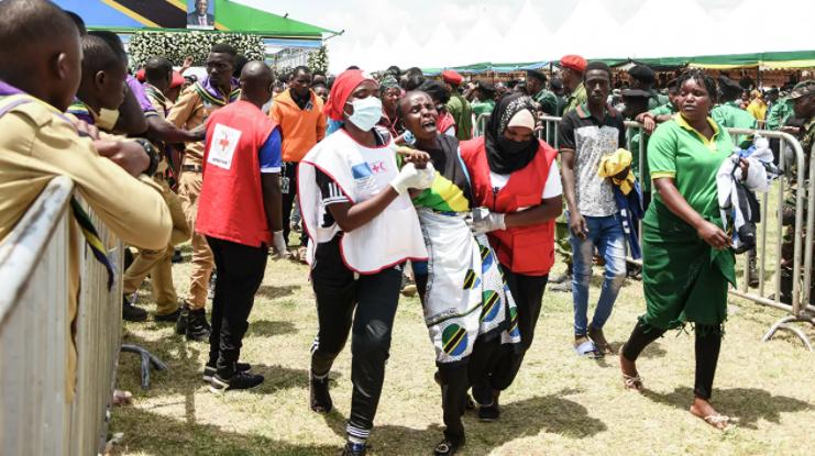 На прощании с погибшим президентом Танзании умерли не менее 45 человек